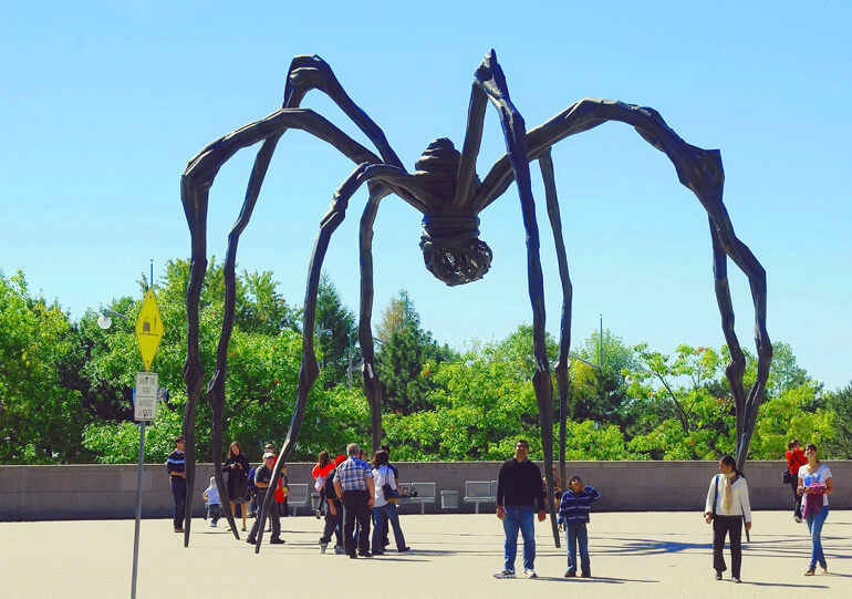 Maman sculpture at the National Gallery of Canada