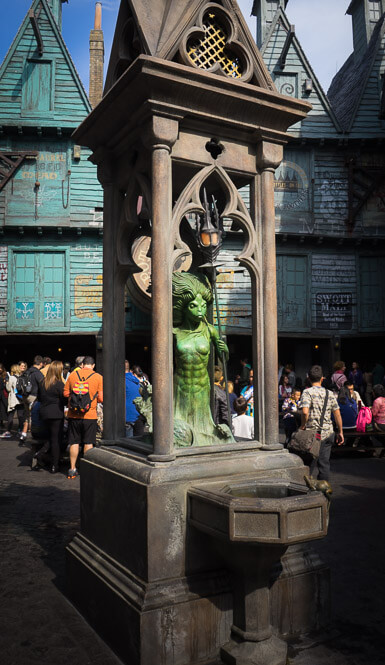 Mermaid fountain spell location in Diagon Alley